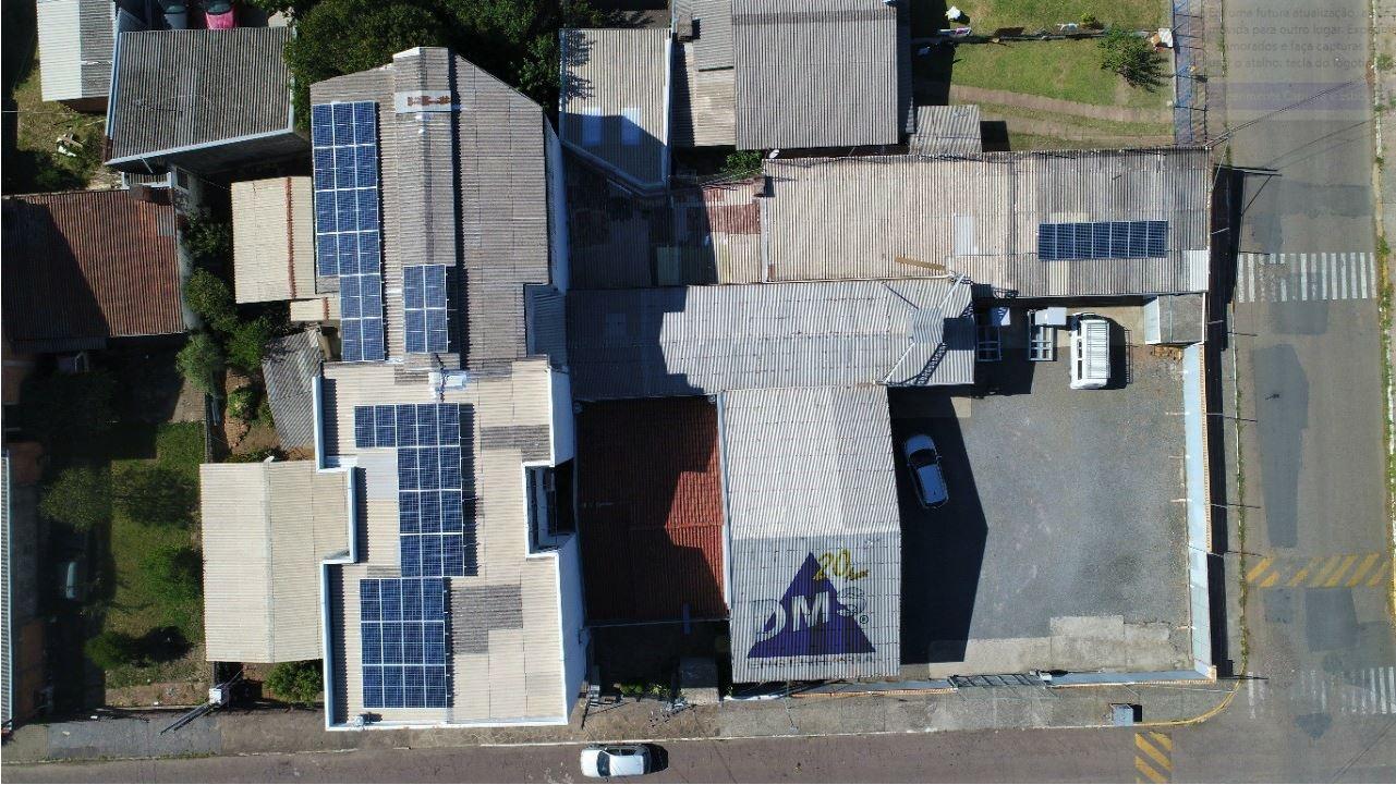 Vista aérea do painel fotovoltaico DMS Engenharia.